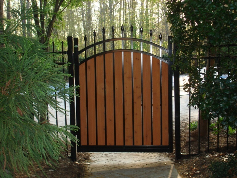 Custom Gates And Fences Seegars Fence Company