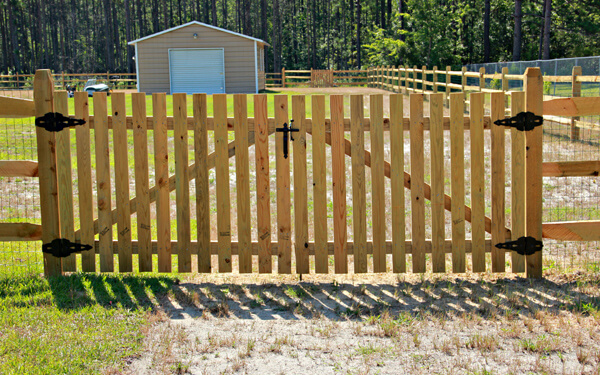 Residential farm ranch fence installations custom