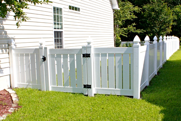 white privacy fence ideas. 1 White Privacy Fence Ideas C